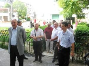 Leonard Vacaru a venit la vot împreună cu mai mulţi consilieri locali