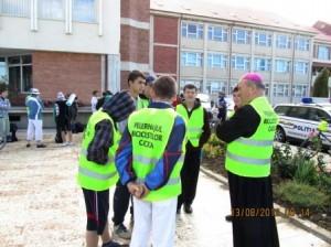 Sute de tineri, în pelerinaj la Cacica