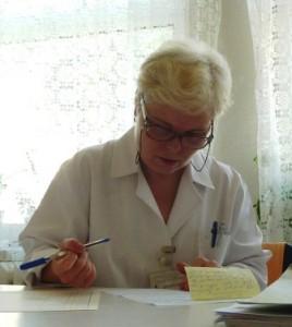 Cristina Apetrei, asistent medical principal la punctul de recoltare a sîngelui din Roman