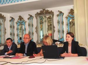 Viitorul platformei informaţiilor pentru finanţare, discutat la Roman