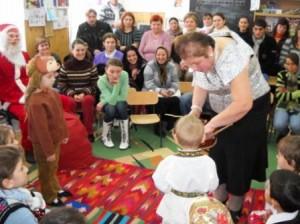 Copiii prețuiesc tradițiile populare