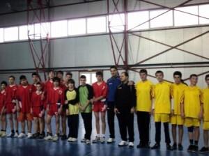 """Școala """"Vasile Alecsandri"""", cea mai bună din Roman și la handbal"""