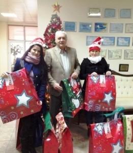 Moș Crăciun a plecat cu sute de cadouri din curtea Marsat