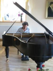 Pianiștii de la Academia Arcadie Trofin, la un prestigios concurs internațional