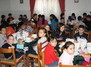 """Copiii de la Asociația """"Iubire și Speranță"""", salvați de oamenii satelor"""
