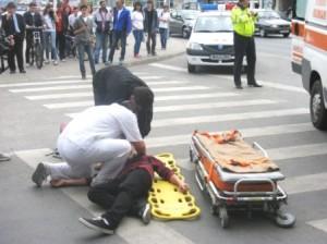 """Accident """"cu premeditare"""" în fața primăriei"""