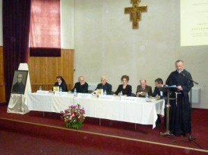 lansare carte franciscan 24052