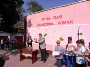"""Dublă tripletă romașcană pe podium la Memorialul """"Șerbănescu"""" la tenis de câmp"""