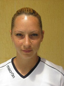 Ana Maria Horobeţ - extremă dreapta