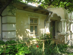 Scriitori în pelerinaj la casa lui Max Blecher