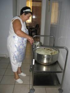 Fabrica ce hrăneşte săracii oraşului
