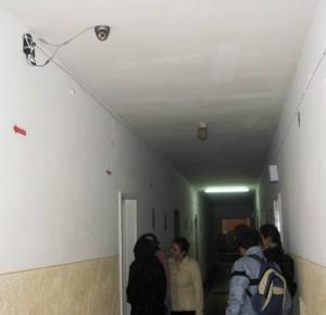 Securitate în şcoli cu paznici şi camere video