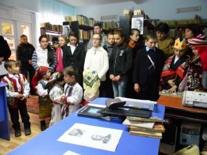 Eminescu, omagiat de elevii din Icuşeşti