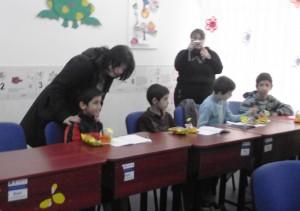 """Elevii de la """"Danubiana"""" au adus primăvara la Școala specială"""