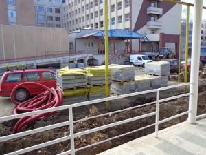 Lucrările la parcarea Spitalului Roman înaintează în ritm alert