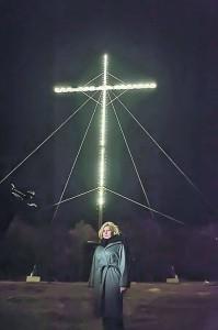 14 troiţe pe drumul crucii Elenei Udrea