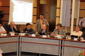 Certuri și demisii în Consiliul Judeţean