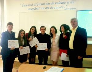 Echipa romaşcană de dezbateri a ajuns în finala naţională