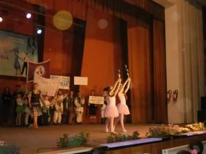 250 de participanţi la Dance Art Competition