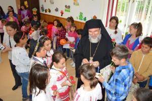 """Bucurii pentru copii, la Centrul Social """"Episcop Melchisedec Ștefănescu"""""""