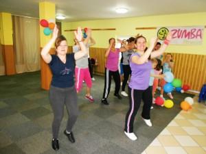 """Cursuri de zumba fitness, la Fundaţia """"Iosefinii lui Murialdo"""""""