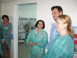 Donaţii pentru Spitalul Roman de la organizaţia Salvaţi Copiii