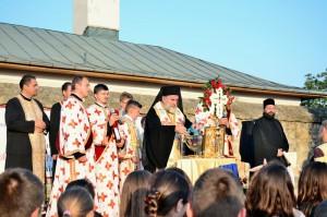 Sute de copii au fost binecuvântaţi de PS Ioachim Băcăuanul