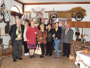 Pensionarii de la Casa Bunicilor au făcut o excursie cultural-spirituală