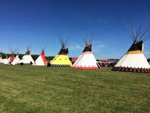 """Plecată din Săbăoani, """"adoptată"""" de indienii nativi din Alberta"""