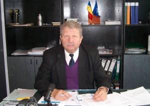 """Profesorul Dan Zaharia, directorul Liceului Tehnologic """"Vasile Sav"""""""