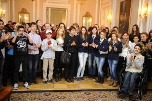 Joburi de probă în firme de top, pentru elevi romaşcani