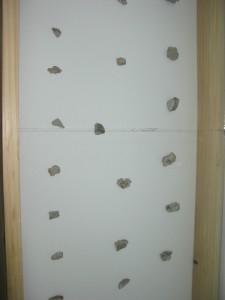 Pietre din zidul Berlinului sunt expuse la Roman