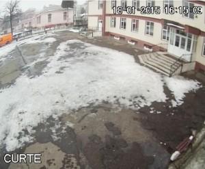 """Imagini live din curtea Școlii """"Vasile Alecsandri"""""""