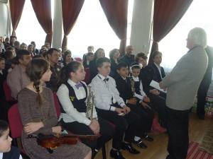 """Învățământ muzical suplimentar la Școala """"Sergiu Celibidache"""""""