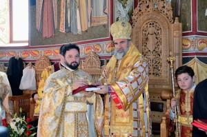 100 de preoți s-au împărtășit la biserica din Cotu Vameş