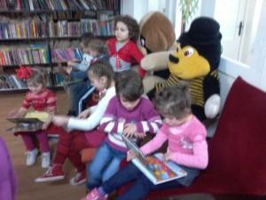 """Activități """"altfel"""", la Biblioteca Municipală """"George Radu Melidon"""""""
