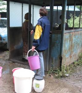 Debranşați de la apă din cauza datoriilor vechi de 13 ani