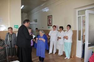 """""""Lumină"""" pentru bătrânii din Roman"""
