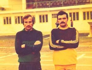 Împreună cu Ghiţă Iancu, portari la Laminorul Roman, în 1988 (Relu Bălan în echipament de culoare închisă)
