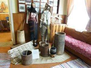 Expoziție etnografică la Cercul Militar din Roman