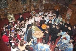 Mihai Eminescu a fost omagiat în Catedrala Arhiepiscopală din Roman
